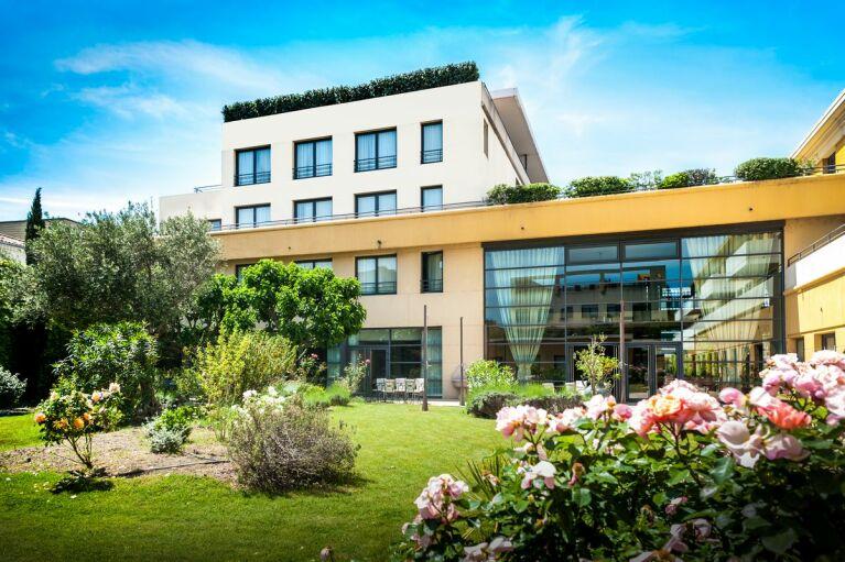 terrasse-avignon-grand-hotel